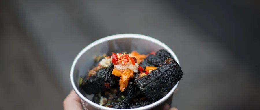新华社:疫情下的餐饮业,不开张愁死 ,开张了亏死!