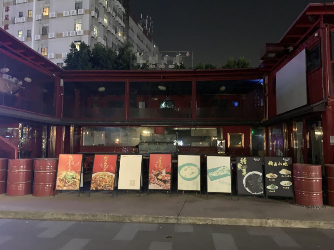 相邻的两家餐厅,为何命运却截然不同?